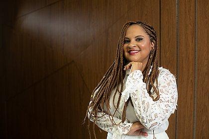 Tatiana Novais, primeira cirurgiã plástica negra do Brasil