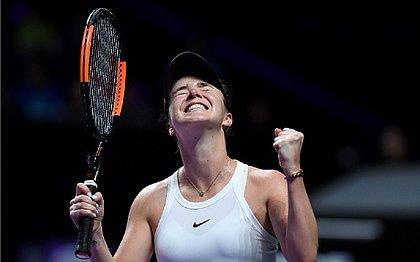 Atual campeã, Svitolina bate Halep e avança no WTA Finals