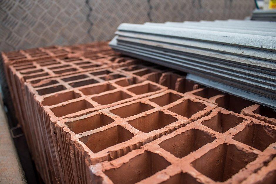 Preços dos tijolos têm aumento de 100% na Bahia e produto está em falta
