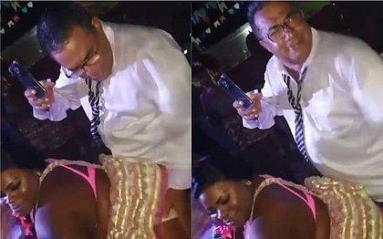Pai de Anitta dá tapas na bunda de Jojo Todynho: 'Delícia'