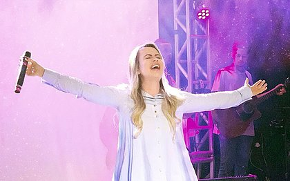 Após suspensão a pedido de ateus, Toffoli libera show de cantora gospel no Réveillon