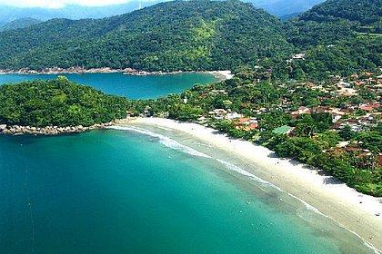 Com 100 km de faixa litorânea, Ubatuba reúne mais de 100 praias