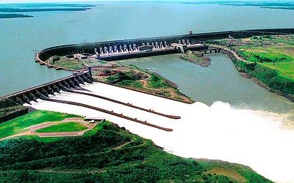 Itaipu tem queda na produção de energia no ano, dezembro é recorde
