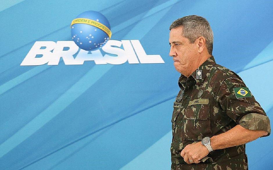 Ministro da Casa Civil, general Braga Netto, está com covid-19