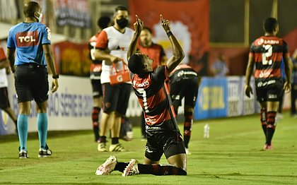David comemora gol que garantiu a virada do rubro-negro