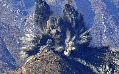 Pyongyang explodiu 10 postos de guarda na zona desmilitarizada entre as Coréias do Sul e do Norte.