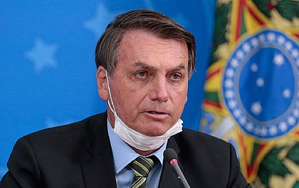 """""""Lockdown não resolveu o ano passado, vai resolver este ano?"""", questiona Bolsonaro"""