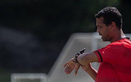 Técnico Rodrigo Chagas precisa fazer o Vitória se recuperar na tabela do Baiano