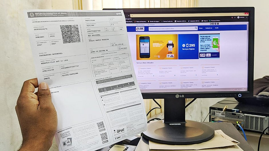 Um milhão de pessoas solicitaram o documento do carro pela internet na Bahia