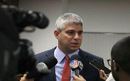 Maurício Barbosa diz que grevistas fazem 'terrorismo' com população