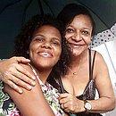 Mãe e filha estavam juntas no ponto de ônibus, quando foram atropeladas