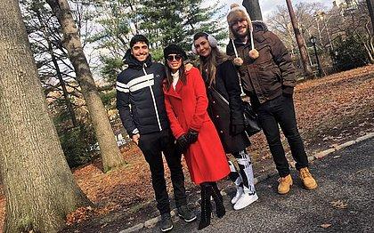 Anitta posta primeira foto com o marido nas redes sociais