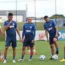 Matheus Bahia, Nino, Gilberto e Patrick de Lucca em treinamento no CT Evaristo de Macedo
