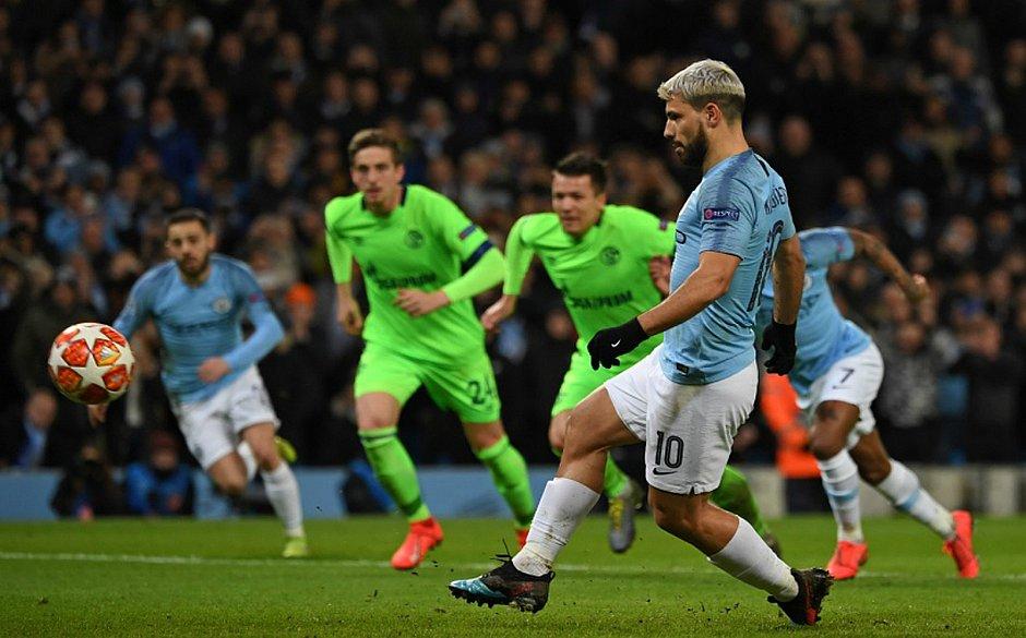 Resultado de imagem para Champions League: Manchester City faz 7 no Schalke e avança às quartas