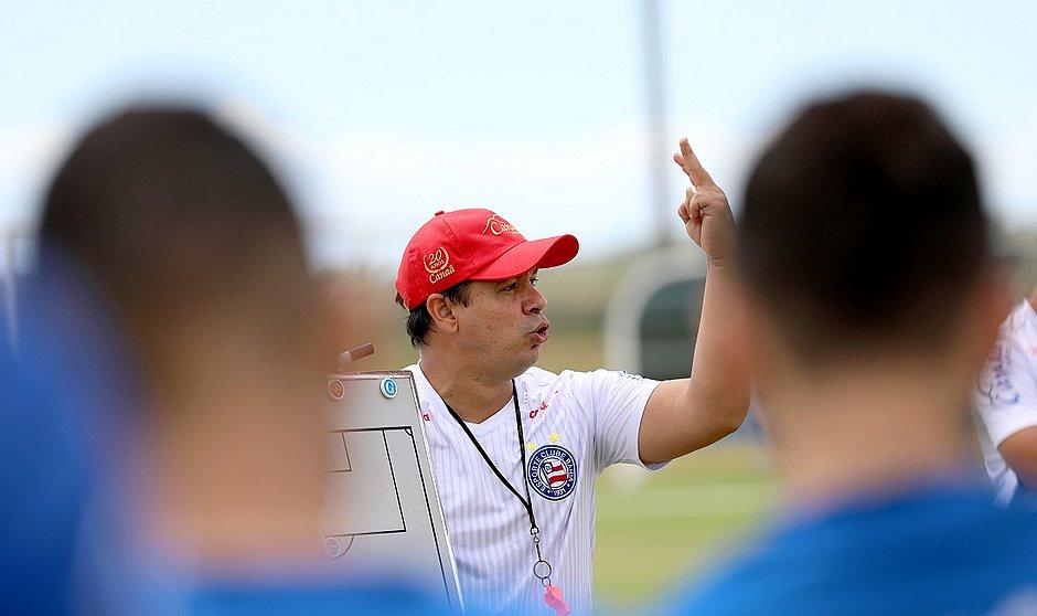 Dado busca primeira vitória no comando do Bahia e precisa de sequência positiva para manter equipe na Série A
