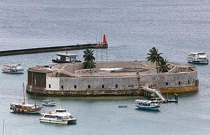 Forte rea chamado de Umbigo da Bahia, por Jorge Amado