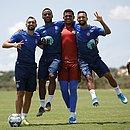 Da esquerda para a direita: Gilberto, Élber, Anderson e Clayson serão titulares na partida contra o América