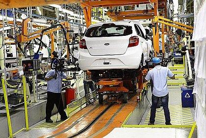 Paralisação de produção por covid e falta de componentes afeta 50% das montadoras