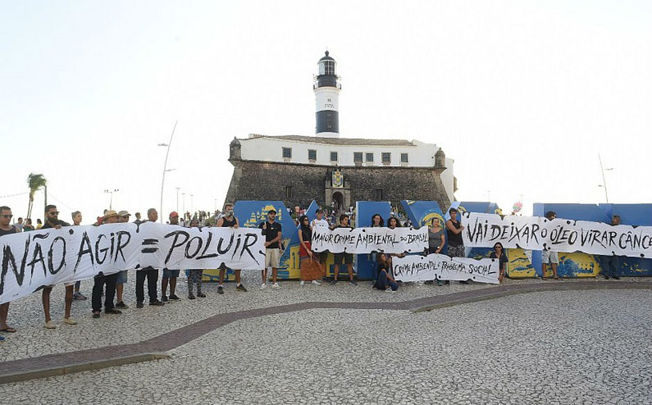 Até o momento, foram recolhidas 280 toneladas de petróleo cru, apenas na Bahia