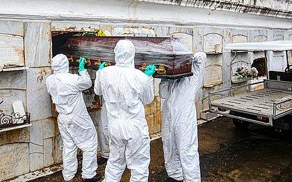 Bahia registra 121 mortes por covid em 24h; maior número desde 16 de abril