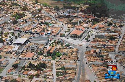 Fuga da cadeira: prefeito de Olindina pega covid-19 e substitutos 'correm' do cargo