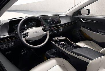 No interior, o modelo está alinhado com outros carros da marca coreana