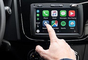 A central multimídia é compatível com Apple CarPlay e Android Auto