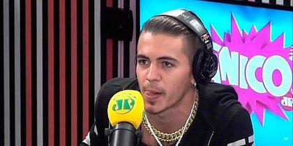 Biel discute com apresentadora e abandona entrevista ao Pânico