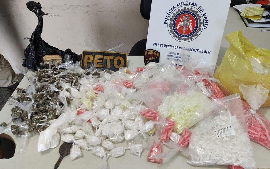 Mulher é presa após ser flagrada com R$ 40 mil em cocaína dentro de imóvel na RMS