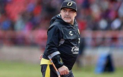 Maradona fez uma cirurgia para retirar um hematoma cerebral