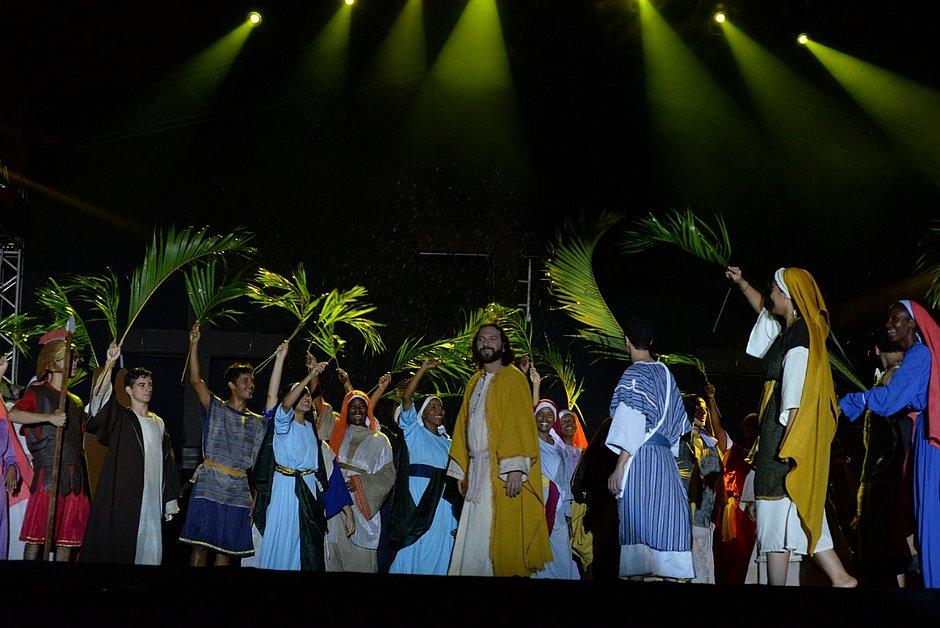 Praça Municipal recebe no final de semana espetáculo sobre Paixão de Cristo