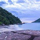 Praia de Ubatuba é uma das mais procuradas para a prática do surfe no Litoral Paulista