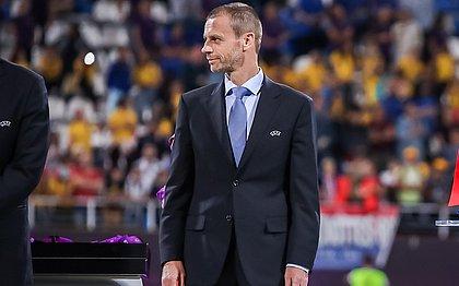 Presidente da Uefa, Ceferin enviou carta à Fifa pedindo mudança na regra de mão na bola