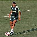 O jogador Rony, do Palmeiras, durante treinamento na última segunda-feira (22)