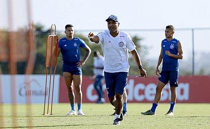 em rota de colisão com parte da torcida, Roger Machado precisa iniciar bem o Brasileiro para ganhar tanquilidade