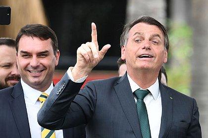 Bolsonaro recebe no Planalto corregedor de tribunal que julgará caso de Flávio
