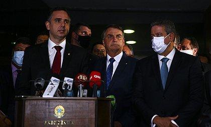 Bolsonaro e ministros entregam ao Congresso MP de privatização da Eletrobras