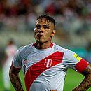 Peruano Guerrero, atacante do Flamengo, está fora da Copa na Rússia