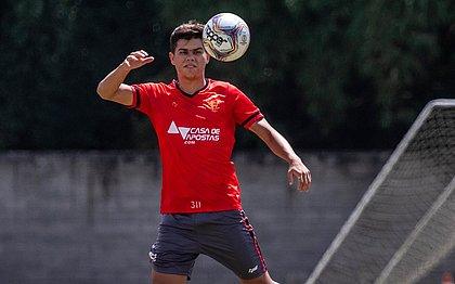 Leocovick durante treino do Vitória