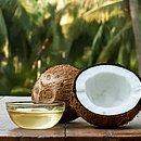 O óleo de coco pode ser usado em diversos tratamentos caseiros de beleza