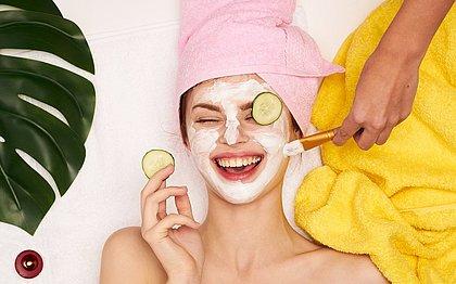 Máscara facial: veja como deixar a pele mais bonita a partir de R$ 6,90