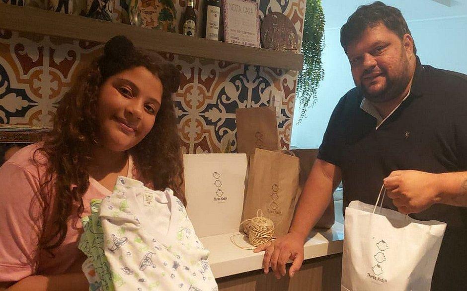 Manuela convenceu o pai, Guilherme, a criar uma marca de pijamas