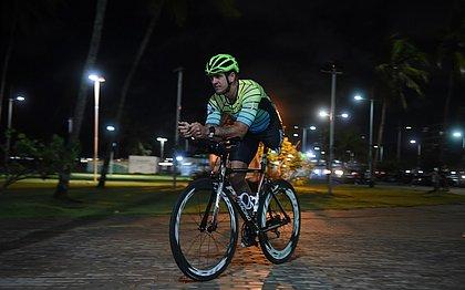 Sem uma perna e parte de um pulmão, baiano disputa o IronMan