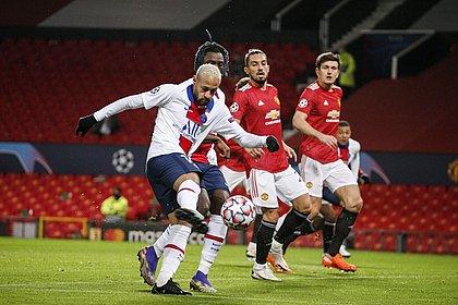 Neymar pegou rebote de chute de Mbappé e fez o primeiro gol do PSG