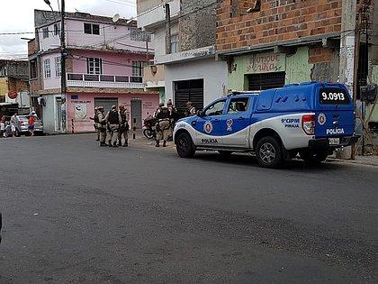 Homens roubam passageiros de ônibus e fogem com chaves em São Caetano