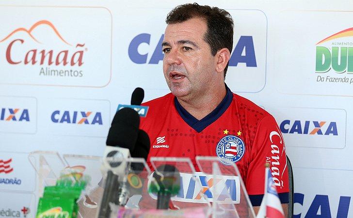 Enderson traça duelo diferente com o Botafogo, velho conhecido