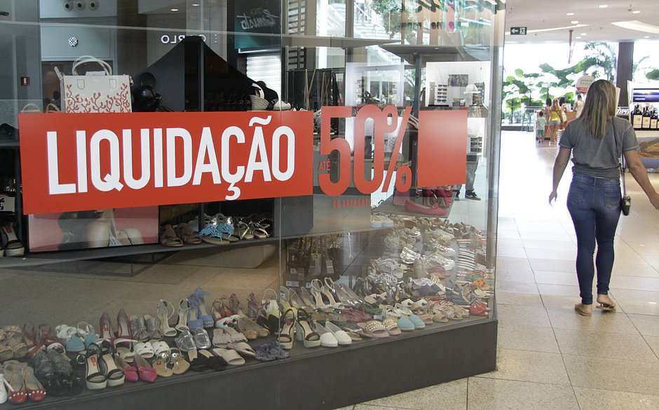 edaa96143 Lojas de Salvador darão até 70% de desconto em queima de estoque  veja  promoções