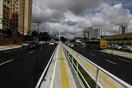 Com a requalificação de avenida, motoristas gastam menos tempo no Cabula (Foto: Arisson Marinho/CORREIO)