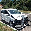 Carro ficou destruído após capotar durante perseguição na manhã desta quarta (14)