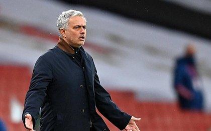 Mourinho não é mais o técnico do Tottenham